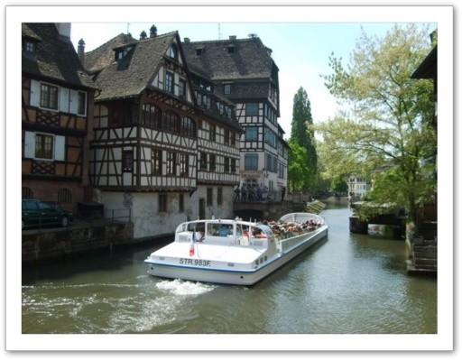 """Strasbourg à 15 km du gite """"Chez Angèle"""" à Berstett en Alsace"""